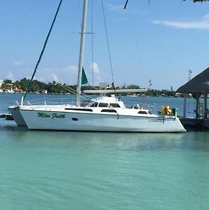 Xsite Belize Sailing Charters photos Exterior