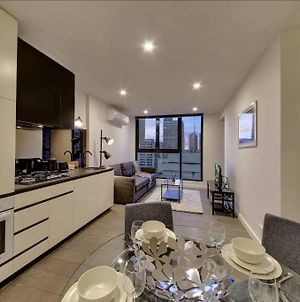 2Br Suites On Bourke, Perfect Location, Views photos Exterior