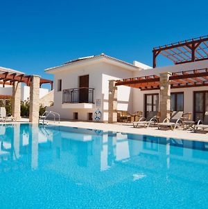 Kouklia Villa Sleeps 8 With Pool And Wifi photos Exterior
