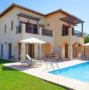 Villa In Kouklia Sleeps 4 Includes Swimming Pool Air Con And Wifi 0 photos Exterior