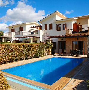 Villa In Kouklia Sleeps 4 Includes Swimming Pool Air Con And Wifi 0 5 photos Exterior