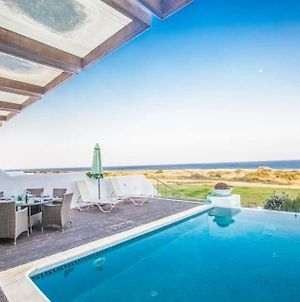 Protaras Villa Sleeps 10 With Pool And Air Con photos Exterior