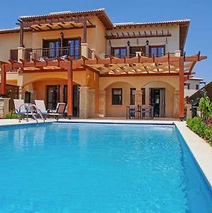 Villa In Kouklia Sleeps 4 Includes Swimming Pool Air Con And Wifi 9 photos Exterior