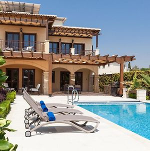 Villa In Kouklia Sleeps 4 Includes Swimming Pool Air Con And Wifi 7 8 photos Exterior