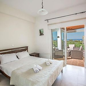 Villa In Protaras Sleeps 6 With Pool Air Con And Wifi photos Exterior