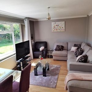 Lovely Bungalow Available For Guests And Contractors Parking Wifi photos Exterior