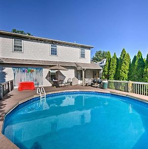 Charming Amish Country Home With Private Pool And Bbq! photos Exterior