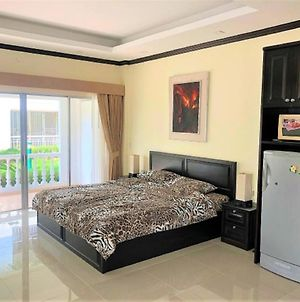 Large Studio Apartment At Baan Suan Beautifull Garden Resort photos Exterior