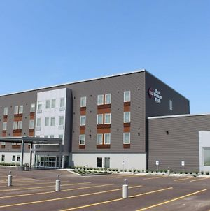 Best Western Plus Dauphin photos Exterior