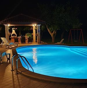 Family Friendly Apartments With A Swimming Pool Valtura 15450 photos Exterior