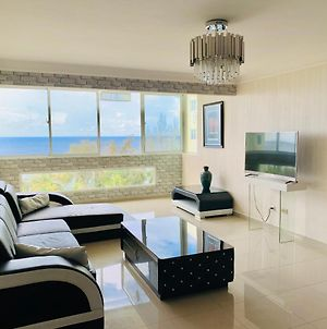 Luxury Front-Beach Condo With Pool And Security photos Exterior