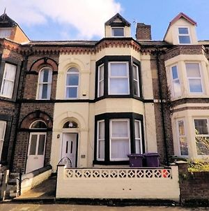 Quirky Large 6-Bed House In Liverpool For Groups photos Exterior