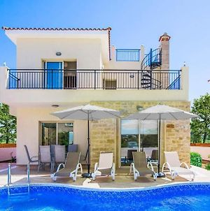 Villa In Polis Sleeps 6 Includes Swimming Pool Air Con And Wifi photos Exterior