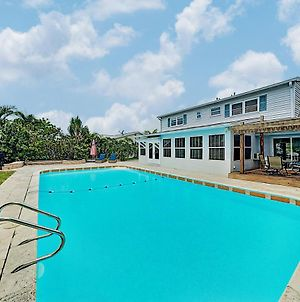 Family-Friendly Retreat W/ Canal-Front Pool Home photos Exterior