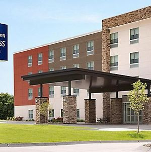 Holiday Inn Express & Suites - Carlisle Southwest I-81 photos Exterior