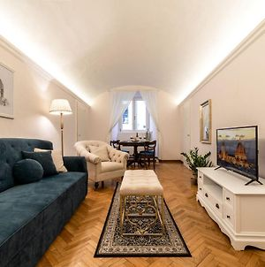 Historic Center! Charming Traditional Florentine Building - Ac,Wifi - Walk Everywhere photos Exterior