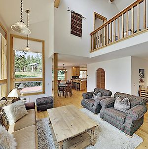 Cozy Haven - Near Tahoe Donner Amenities Home photos Exterior