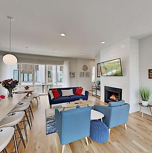 Chic Townhome Near Dining, Shops & Entertainment Townhouse photos Exterior