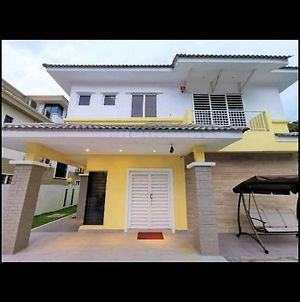 Templer Park Stylish Bungalow Home Stay photos Exterior