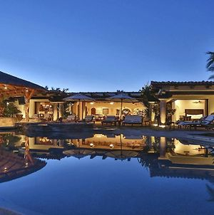 Phenomenal Villa With Ocean View, Swim-Up Bar, Home Gym And Located On A Golf Course photos Exterior