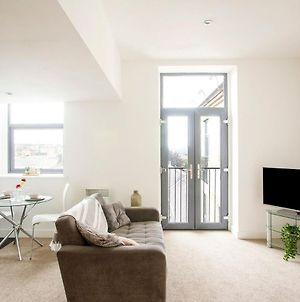 Cosy Holiday Home In Bradford With Balcony photos Exterior