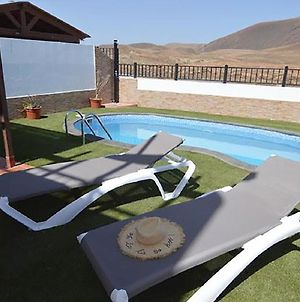 """Family Villa """"Blue"""" With Private Pool, Bbq, Wifi & Volcano Views By Holidays Home photos Exterior"""