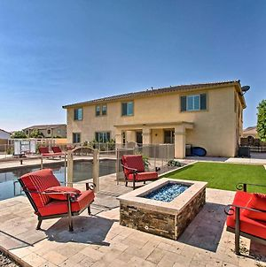 Expansive Queen Creek Home With Pool And Fire Pit photos Exterior