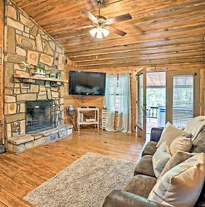 Cozy Broken Bow Cabin With Hot Tub And 2 Porches! photos Exterior
