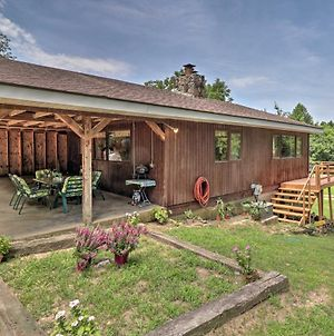 Creekside Berryville Cabin With Kayaks & More! photos Exterior