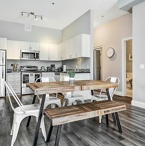 Condo In The Heart Of Kingston, Modern & Comfy photos Exterior