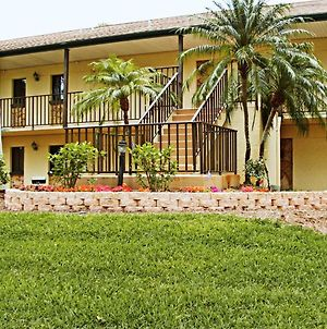 Comfortable Resort Condos In Lehigh Acres, Florida photos Exterior
