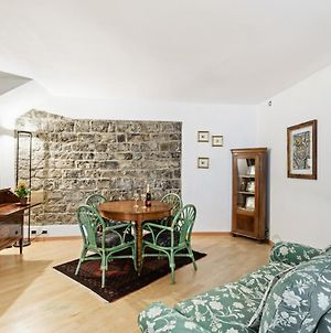 Cozy And Classy Apt In The Heart Of Como! photos Exterior