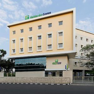 Holiday Inn Express Pune Pimpri photos Exterior