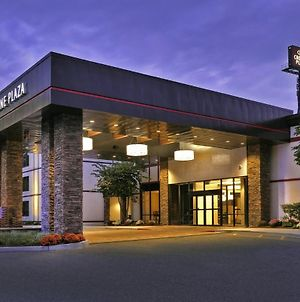 Crowne Plaza Suffern-Mahwah photos Exterior
