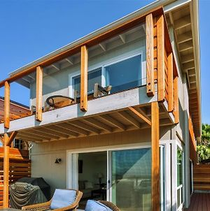Modern Pacific Beach Home With Fire Pit & Ocean View photos Exterior