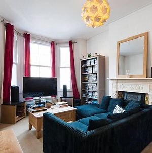 Awesome 2 Bd Seconds From Clapham Common! photos Exterior