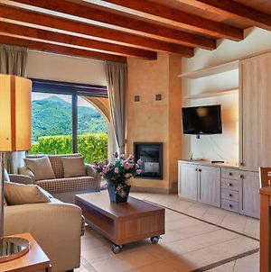 Lake-View Holiday Home In Scanno With Garden And Fireplace photos Exterior
