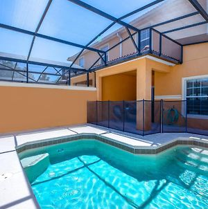 Contemporary 4 Bed 3 Bath Town Home With Upgrades, Private Pool I Close To Disney, Shopping photos Exterior