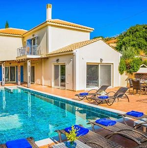 Ratzakli Villa Sleeps 6 With Pool Air Con And Wifi photos Exterior