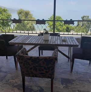 Nice Apartment With Terrace And Like View . photos Exterior