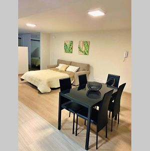 Spacious Luxurious Apartment - Very Well Located photos Exterior