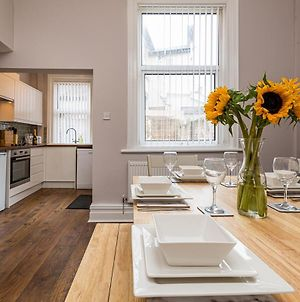 Modern Serviced House Near Railway Station, University And City Centre With Parking photos Exterior