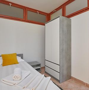 Self Isolated - Free Parking, Private Jacuzzi Terrace photos Exterior
