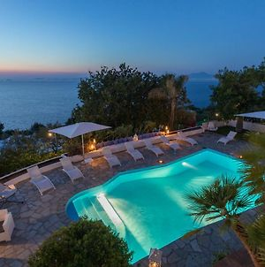 Capri Blue Luxury Villa photos Exterior