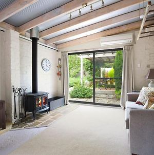 Little Haven Leura Cottage With Spa Bath And Bbq photos Exterior