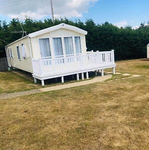 3 Bedroom Willerby Winchester Caravan photos Exterior