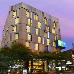Holiday Inn Express Bangkok Sukhumvit 11, An Ihg Hotel photos Exterior