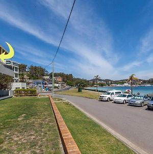 3 'Sunset' 11 Victoria Parade - Stunning Unit Right Across From The Water photos Exterior