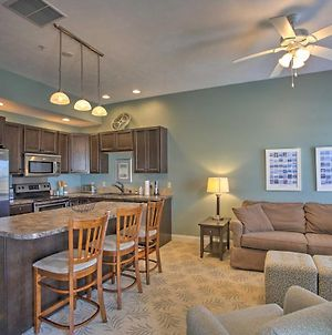 Condo With Balcony, Walk To Dining And Lake Mich! photos Exterior
