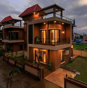 Bella Vista-2, 4 Bhk Fully Furnished With Private Swimming Pool photos Exterior